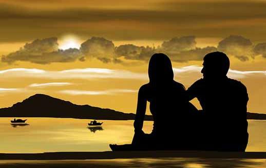 pareja-atardecer-playa