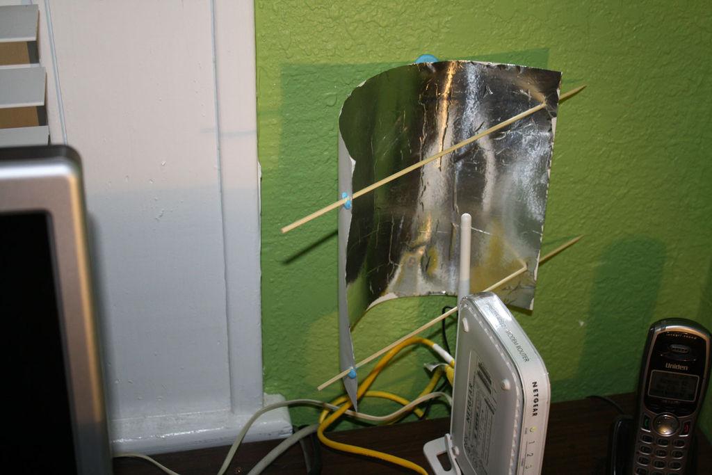reflector wifi detras pared