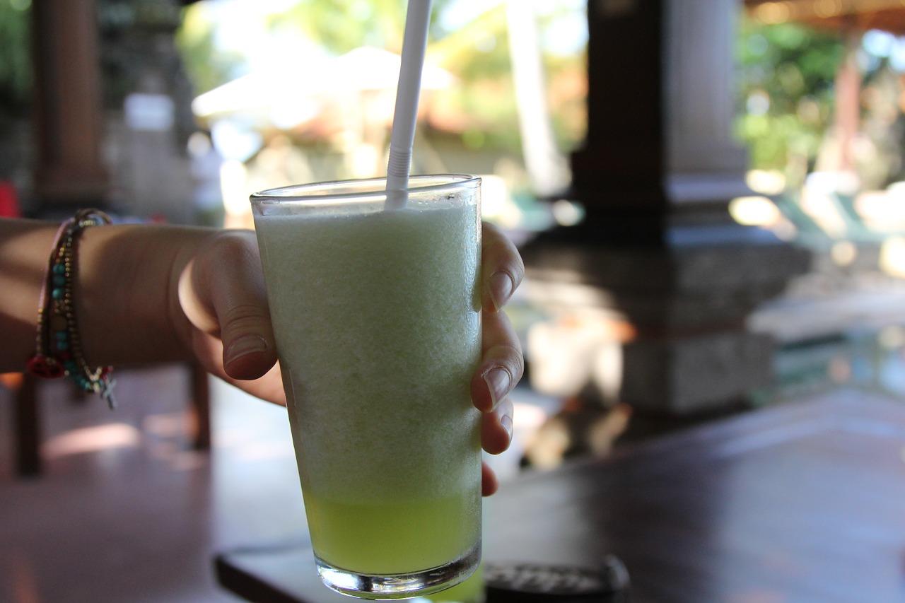 Combatir la diabetes tomando jugos o zumos verdes